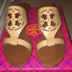 Tory Burch wedges Great condition!!!